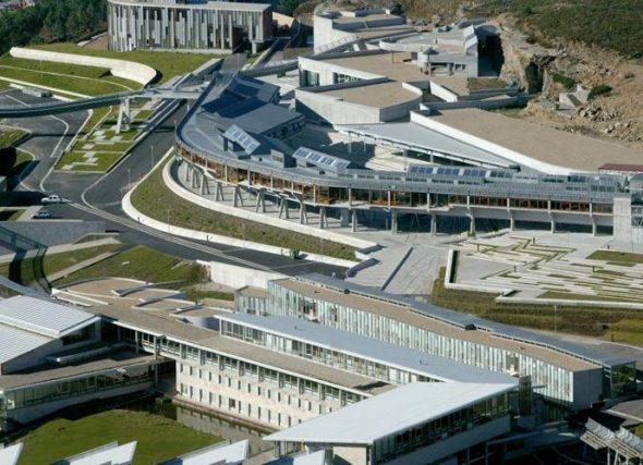 A FGA asina un importante convenio de colaboración coa Universidade de Vigo
