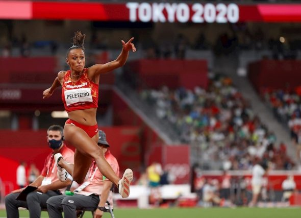 Ana Peleteiro fai historia ao lograr un bronce olímpico para o atletismo galego